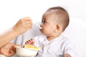 Dinh dưỡng cho bé trong năm đầu tiên