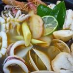 Lẩu hải sản chua cay ấm áp cho ngày mưa