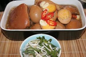 Thịt kho tàu đậm đà cho bữa cơm gia đình