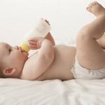 Sữa bột và những điều cần chú ý khi pha sữa cho con