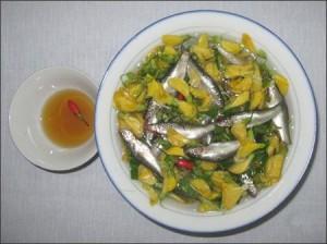 Canh chua cá linh bông điên điển đậm đà hương vị quê hương