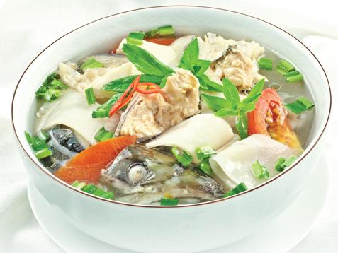 Đầu cá hồi nấu măng chua món ngon không nên bỏ lỡ