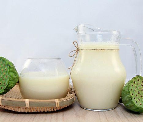 Sữa hạt sen tốt cho giấc ngủ của bạn